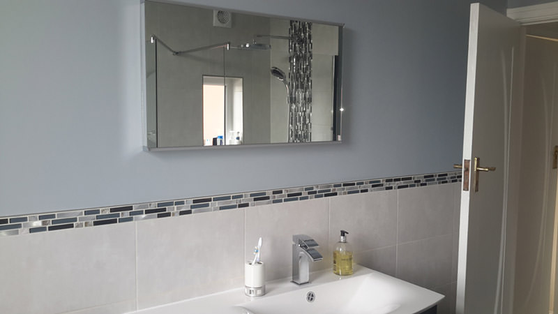 Roper Rhodes Beat Bluetooth Led Illuminated Bathroom Mirror 800mm: Roper Rhodes Scheme 800mm LED Mirror