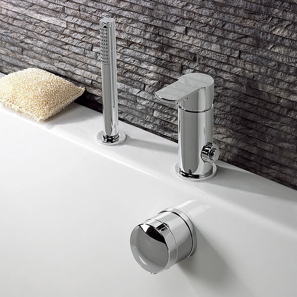 Deck Mounted Diverter Bath Filler And Handset