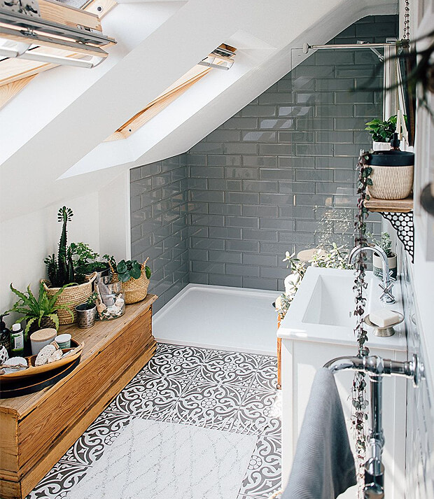 Grey & White Bathroom Decor